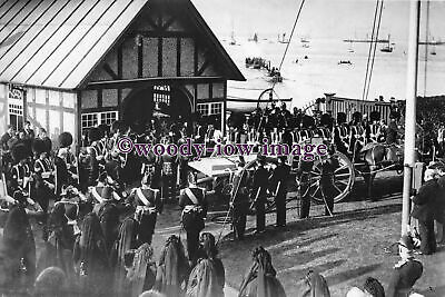 rs0442 - Queen Victoria's Coffin at Trinity , East Cowes , IOW - photograph 6x4