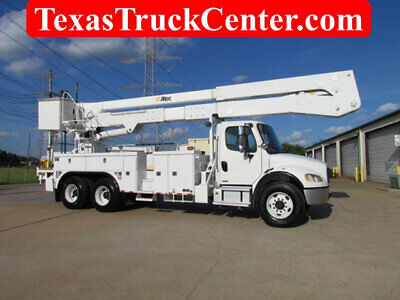 2007 Freightliner Bucket Truck / Altec A72-T 75` Working Height