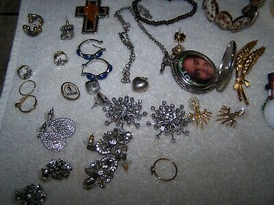 Vintage 40PC Jewelry Lot-Some Signed Rhinestones Necklaces Bracelets Rings +