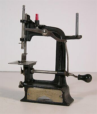 1897 Miniature Cast Iron Toy Sewing Machine Smith & Egge Automatic Model Childs