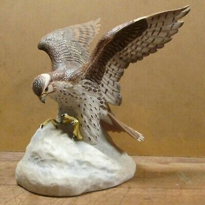 PRAIRIE FALCON, 1980 SKI COUNTRY WHISKEY DECANTER, Mint in Box - Never Filled