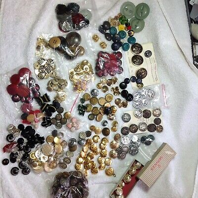 Very Large Collection of Vintage Buttons Great Assortment