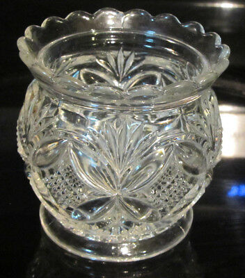 Vintage CLEAR Daisy Bottom Wheat Grain Sides Sconce Votive Candle Holder