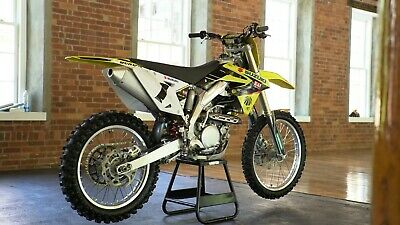 2009 Suzuki RM-Z  2009 Suzuki RMZ 450  Showroom Condition Fuel Injected Rocket Ship, Adult Owned
