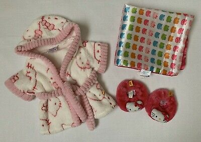 "Build a Bear Hello Kitty Lot: 18""x15"" Blanket, Robe, Pink Slippers"