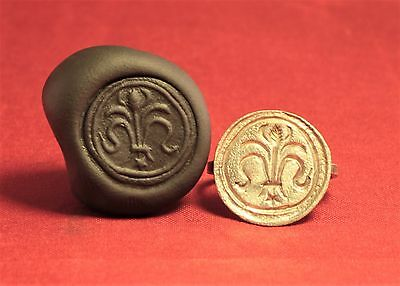 Fine Medieval Crusader Knigth's Seal Ring,  Lily Stamp, 11. Century,