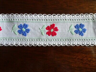 1.36mtr. Edging Trimming White Blue & Red Flowers Dressmaking Sewing Crafts
