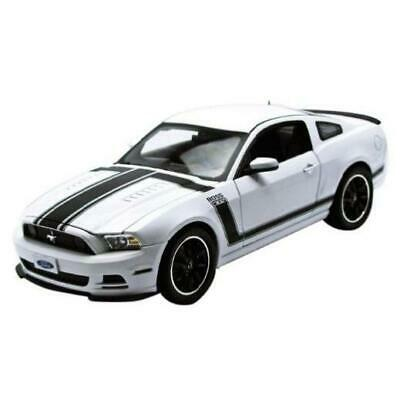 2013 FORD MUSTANG BOSS 302 WHITE 1//18 DIECAST MODEL BY SHELBY COLLECTIBLES SC452
