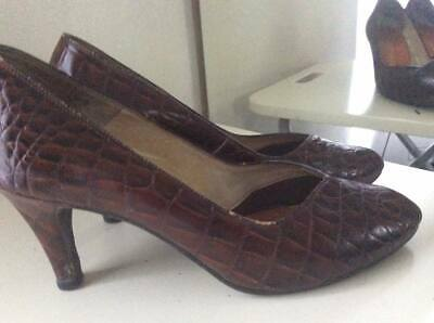 VINTAGE BROWN MOCK CROC 1980's does 50's COURT SHOES *SNOW WHITE* USA 9.5 UK 6.5