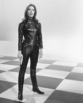 Diana Rigg In Leather From The Avengers B&w 8X10 Photo