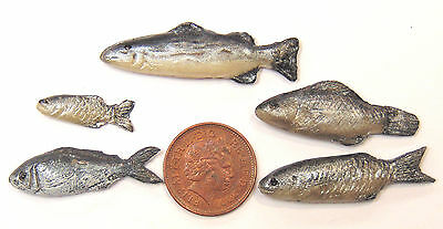1:12 Scale 5 Silver Polymer Clay Fish For Dolls House Kitchen Shop Accessories S