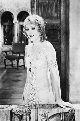 MARY PICKFORD LOVELY PUBLICITY POSE B&W POSTER PRINT