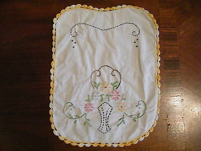 Collectible Embroidered Crocheted Doily Dresser Scarf