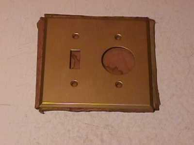 Antique Brass Plug & Switch Plate-NIP • CAD $31.34