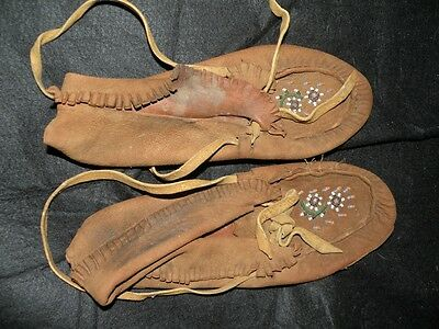 VINTAGE 1930's NATIVE AMERICAN INDIAN GREAT LAKES MOCCASINS