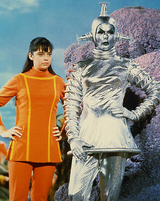 Lost In Space 8X10 Photo Angela Cartwright Silver Alien