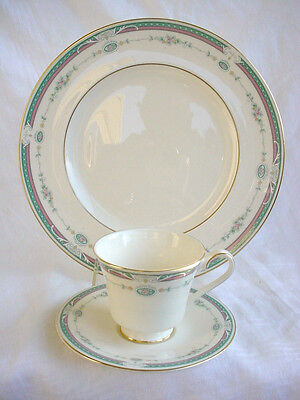 Dinner Plate, Cup & Saucer Royal Doulton H5209 Radcliffe