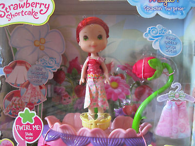 Strawberry Shortcake Twirling Flower Fashions Doll Color Change Magic NEW