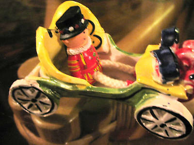 VINTAGE GORGEOUS HANDMADE HAND PAINTED POTTERY CAR