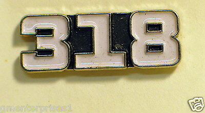 318 Engine Pin (White) Badge Hat Tack  *** Nicer than Picture