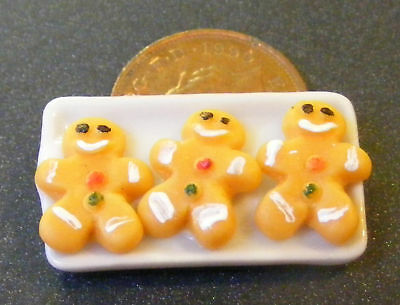 1:12 Scale 3 Ginger Bread Men On A Ceramic Plate Tumdee Dolls House Cake PL12