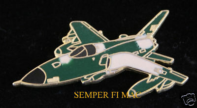 AUTHENTIC F-105 THUNDERCHIEF AIR FORCE HAT PIN AFB USAF PILOT AIRCREW VIETNAM