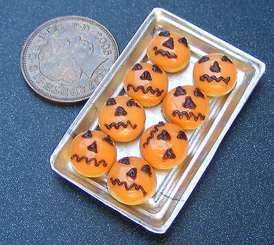 1;12 Scale 8 Halloween Donuts On A Tray Dolls House Miniatures Bakery PL92