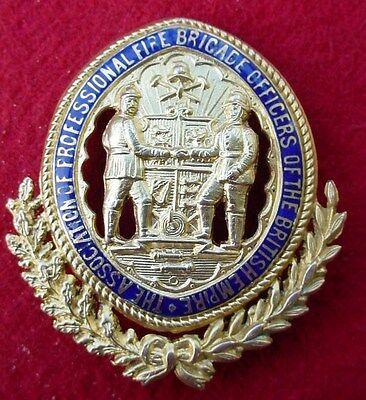 9ct GOLD ENAMEL ASSOC OF PROF FIRE BRIGADE OFFICERS OF THE BRITISH EMPIRE BADGE