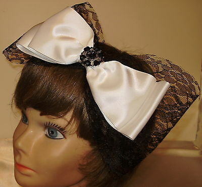 Lovely  New Black and White  Bow Fascinator