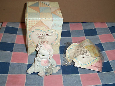 """Calico Kittens Figure 628425 Love's Special Delivery Baby Girl Kitten  2 1/2"""" Hi"""