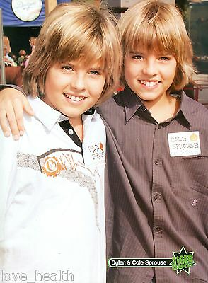 """DYLAN & COLE SPROUSE - TEEN BOY ACTORS - 11"""" x 8"""" MAGAZINE PINUP - POSTER"""