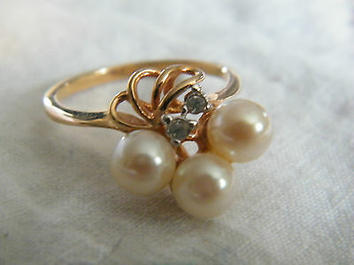 Beautiful Gold Cocktail Ring Rhinestones Faux Pearls Signed 18KHGE Size 8.25