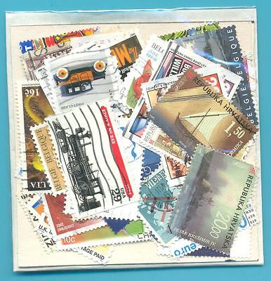 A SMALL COLLECTION OF WORLD STAMPS IN PACKET.(ref.242)USED