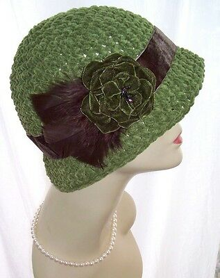 New NWT Vintage Style Cloche Hat Satin Velvet Feathers