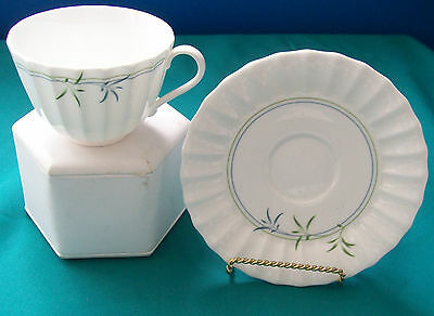 Royal Worcester  10 1/2 inch Dinner Plate, Green Bamboo Pattern-Made In England
