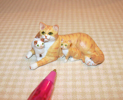Miniature Orange Striped Mommy Cat/2 Kittens: DOLLHOUSE Miniatures 1/12 Scale