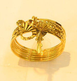 18k gold 7 days ring with key / heart charm (size 8.5
