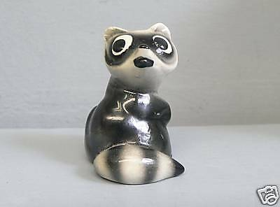 Early Hagen Renaker Gray Raccoon Head Turned