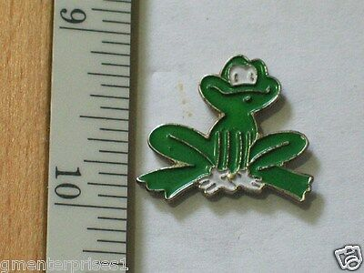 Frog Pin , Silly Frog Lapel Pin , Leap Frog , (**)