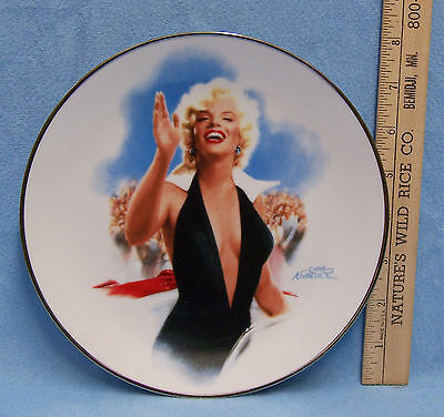 Marilyn Monroe Collectors Plate Stopping Traffic 4th Issue by Delphi Notarile
