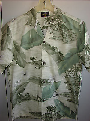 Royal Creations  Small  Outriggers & Shoreline on Green/NWOT