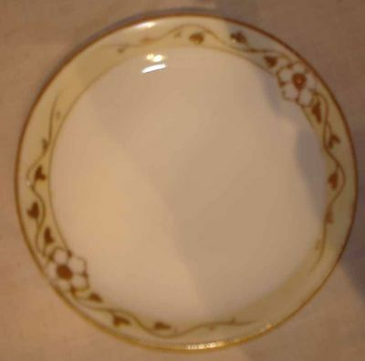 VINTAGE NIPPON HAND PAINTED YELLOW & GOLD WHITE HANDLED BOWL & 6 DESSERT PLATES