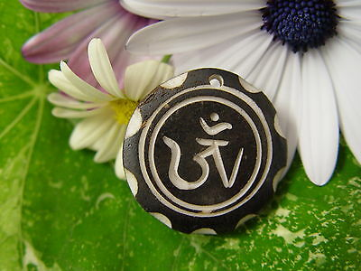 GOOD CHI BONE CHARM Q Wicca Witch Pagan Spell Goth OM New Age YOGA BUDDHA AUM