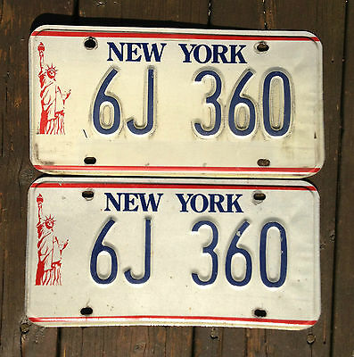 **AUTHENTIC** USA  90's NEW YORK  PAIR of LICENSE PLATE.  STATUE OF LIBERTY