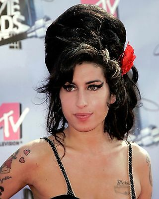 Amy Winehouse 8 x 10 GLOSSY Photo Picture