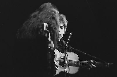 Bob Dylan with Joan Baez 4x6 Vintage 60's Photograph at folk concert #6B