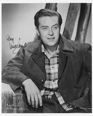 "10""x8"" PHOTO PRINTED AUTOGRAPH - RAY MILLAND b"
