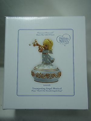 2009 Precious Moments Share The Gift Of Love Trumpeting Angel