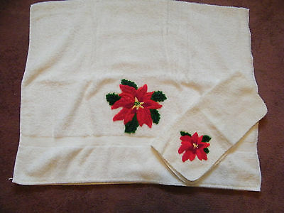 Christmas Poinsetta Appliqued Bath Towel Washcloth Set White Holiday NICE