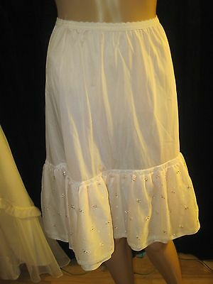 Vintage 1950's Pale Pink Nylon & Pink Green Embroidered Slip by Henson Size 6